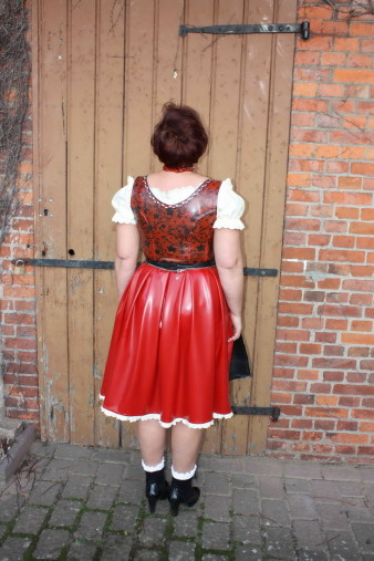 Latex Dirndl (15)