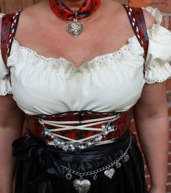Latex Dirndl (16)