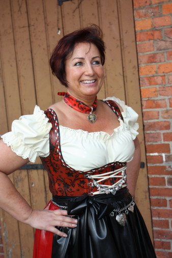 Latex Dirndl (2)